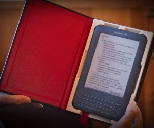 The Case for Kindle 3 Turns Your Ebook Into a Real Book