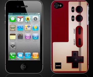 Turn Your iPhone 4 Into a Famicom Controller