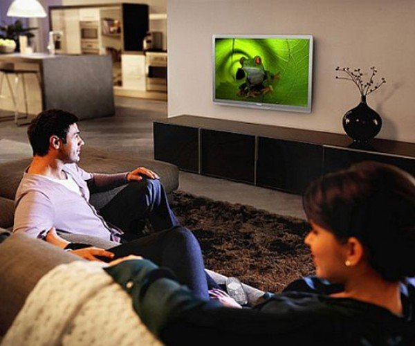 Philips Ships Green Tv With a Remote That is More Interesting Than the Tv