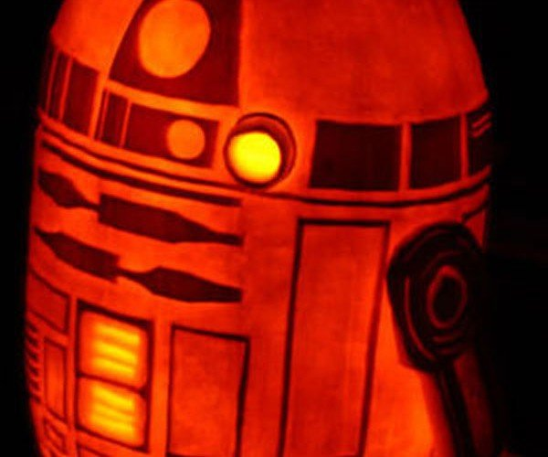R2-D2 Pumpkin Makes Your Jack-O-Lantern Look Like an Ass-O-Lantern