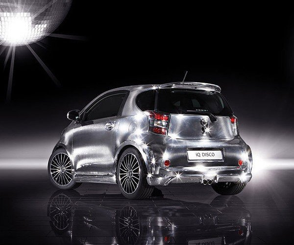 toyota_iq_disco_car_2