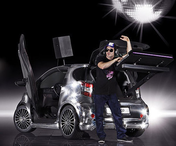toyota_iq_disco_car_3