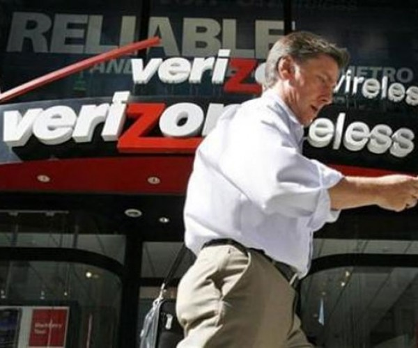 Fcc Grabs Verizon by the Balls, Squeezes Out $52.8m in Refunds and $25m for Itself