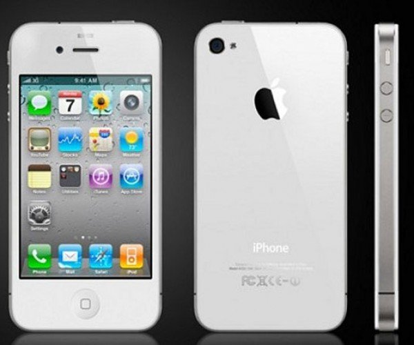 Apple Says White iPhone 4 Delayed Until Spring 2011