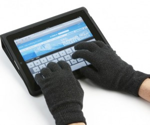 Agloves Keep Your Hands Warm and Work With iPad