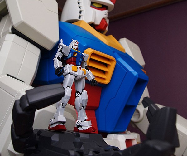 Your Very Own Mini Giant Gundam