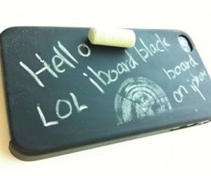 Iblackboard: Cover Your iPhone With Chalk Dust, Just in Case Fingerprints Weren't Enough