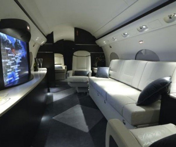 Home Theater Flies in Style on a Gulfstream III Jet