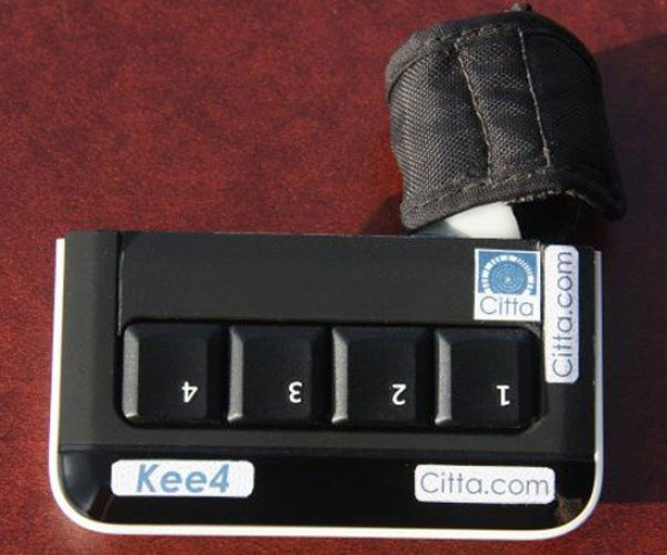 Kee4 Keyboard: 4 Keys to Type Them All