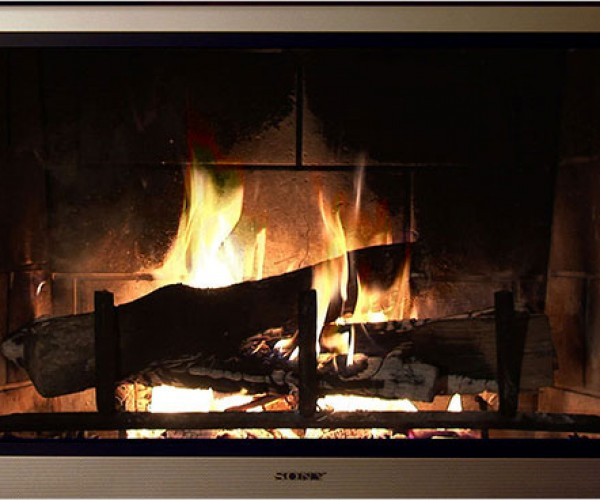 Yule Log Tv Show Goes 3d on Comcast