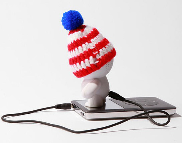 beanie speaker audiobot urban outfitters usb music player