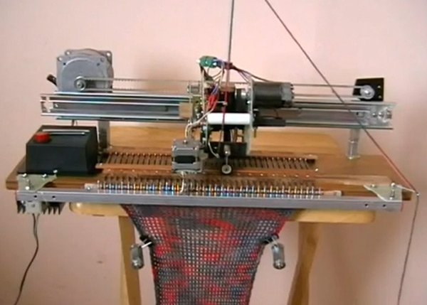 knitting machine knit robot