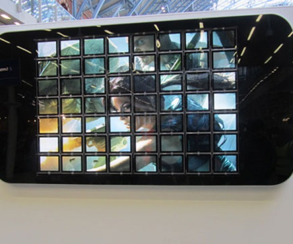 World's Largest iPhone Made Out of iPads