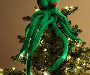 Cthulhu Tree Topper: Have Yourself a Scary Little Christmas