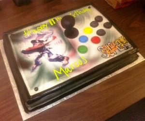 Super Street Fighter IV Joystick Cake: Frosting Hammer Kick Combo!