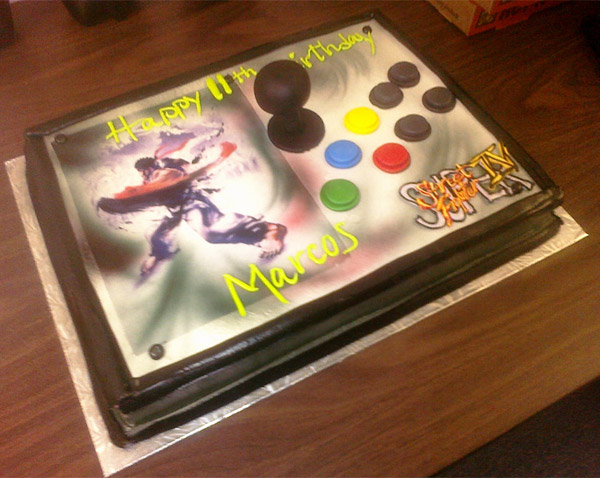 super_street_fighter_iv_joystick_cake