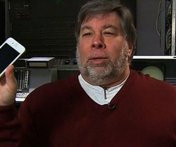 Woz Bought White iPhone 4 Parts From Chinese Kid Apple Shut Down