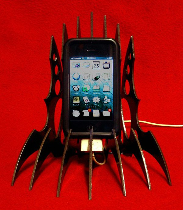 klingon iphone stand etsy star trek