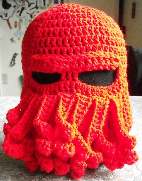 cthulhu_ski_hat_red