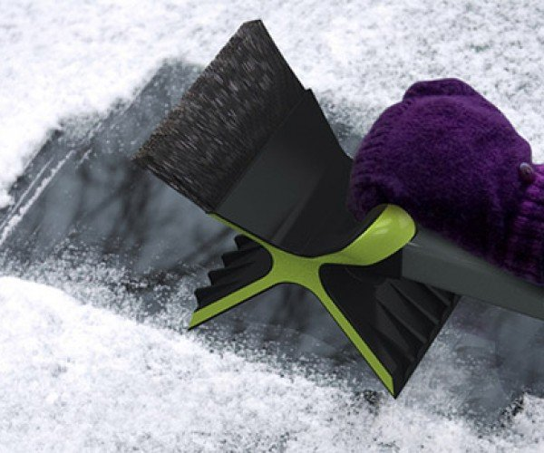 Snowdozer Cuts Ice Scraping Time in Half