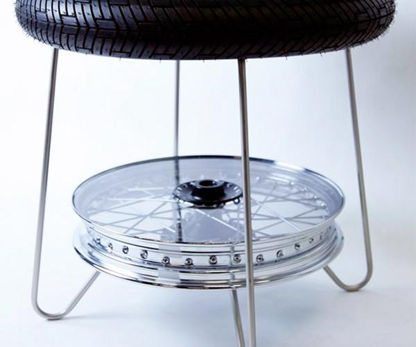 triumph_motorcycle_wheel_table