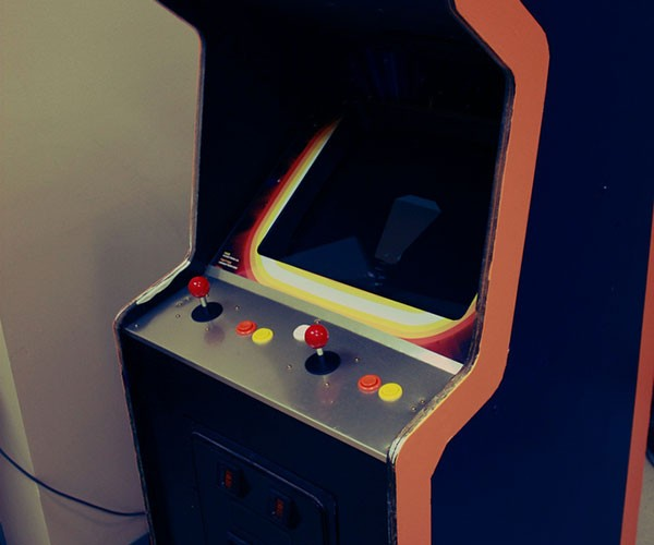 Winnitron 1000 Arcade Cabinet: A Token of Hope from Indie Developers