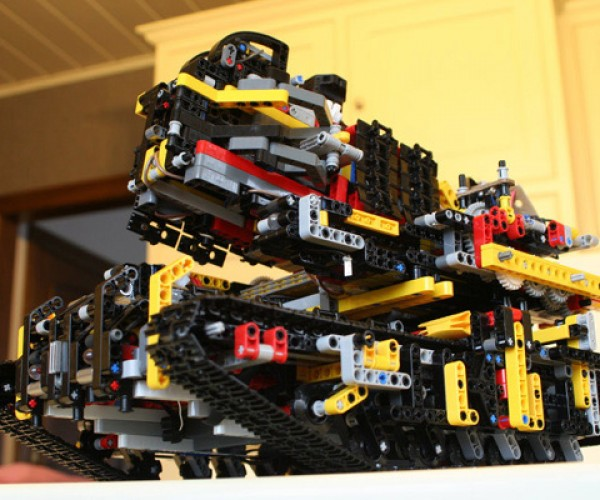 Motorized LEGO Tank Shoots Bricks at Your Enemies