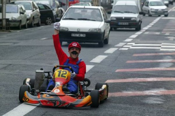 Real Driving Games >> French Dude Plays Mario Kart in Real Life - Technabob