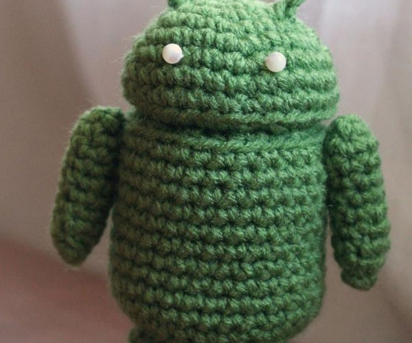 Crochet Android Figure is Proof that Grandma Really Likes Technology