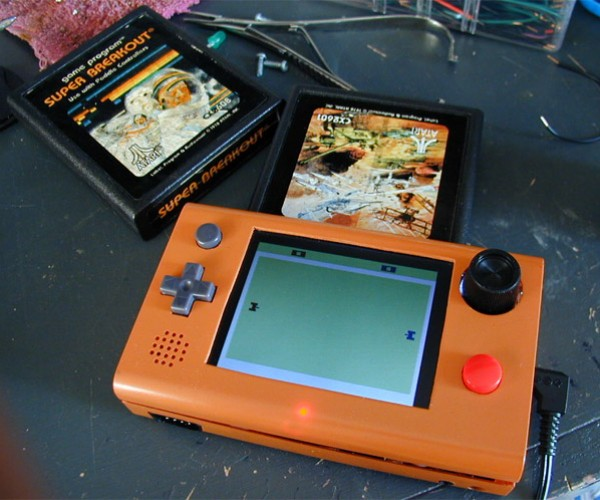"Atari 2600 ""Stella"" Portable is the Nicest Atari 2600 Portable Mod Yet"