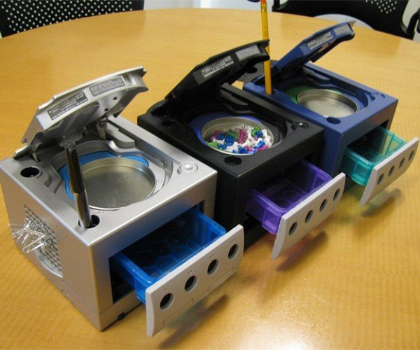 GameCube Desktop Organizers Would Only Be Better If They Still Played Super Smash Brothers Melee