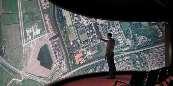 giant_multi_touch_screen