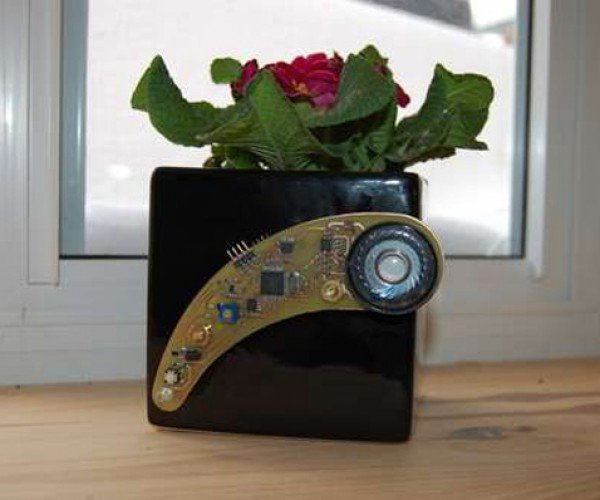 Plant Whisperer Emits Creepy Robotic Reminders to Water Your Plant