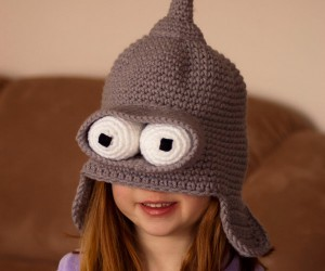 Bender Toque: Facing Winter With Robots