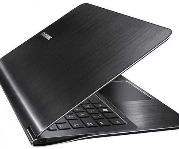 Samsung's Series 9 Laptop Hits the Streets: MacBook Air Alternative?