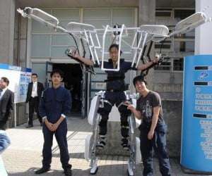 Unpowered Exoskeleton: James Cameron, Eat Your Alien Heart out