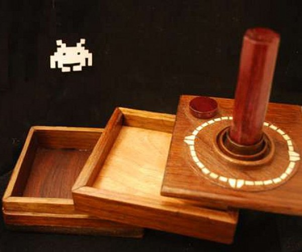 Atari Joystick Jewelry Box: 8-Bit Fashion