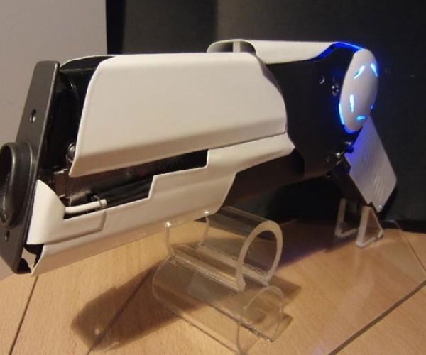 DIY Pulse Laser Pistol is So Much Better than a Laser Pointer