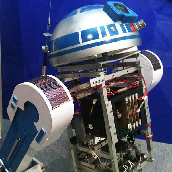 solar_r2_d2_robot