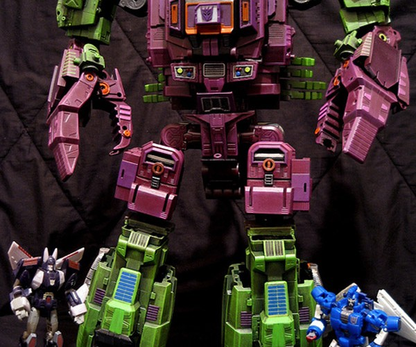 Masterpiece Scorponok Transformer is 2 Feet-Tall, All Kinds of Awesome