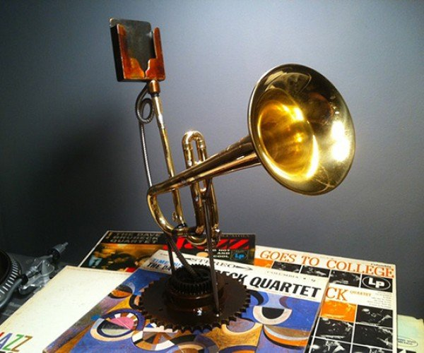 Trumpet iPhone Amplifier: Brass Blast