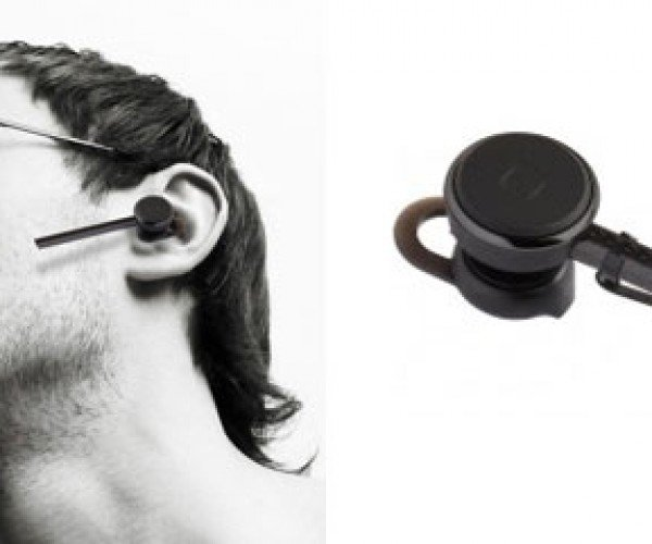 Bluetrek Carbon Bluetooth Headset is Made from Carbon Fiber