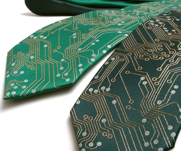 Circuit Board Necktie: Surprised it's Not a Clip-On