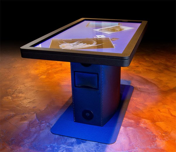 ideum_mt55_hd_multi_touch_table