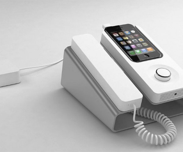 Kee Desk Phone Dock for iPhone Finally Ships