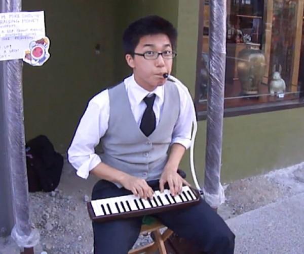 Nintendo Street Performer: Mario Melodica