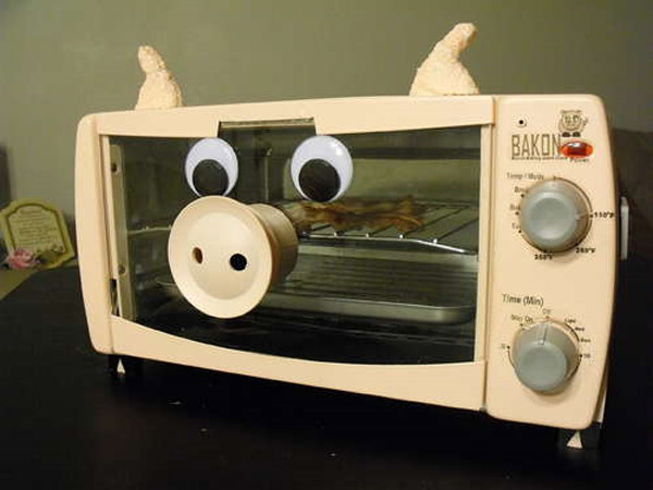 bacon_alarm_clock_1