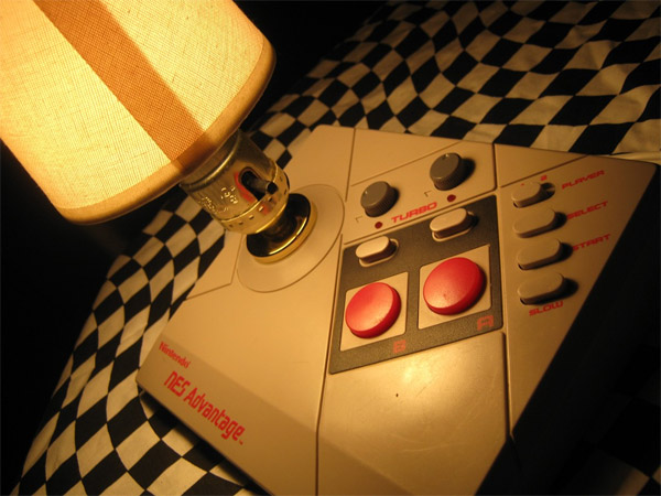 nintendo_nes_advantage_lamp_1