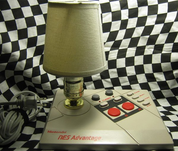 nintendo_nes_advantage_lamp_2