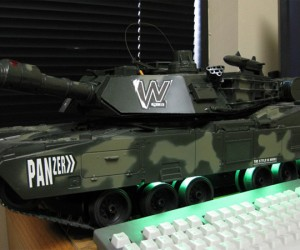 Army Tank PC Casemod Has Working (Mini) Turret, Treads, Still Runs Windows XP